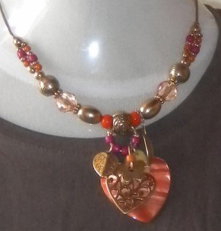 collier ikita coeur orange
